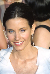 """""""9th Annual Screen Actors Guild Awards"""" 3-9-03Courteney CoxMPTV - Image 21590_0208"""