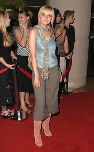 """""""5th Annual Family Television Awards"""" 8-14-03Ashlee SimpsonMPTV - Image 21590_0222"""