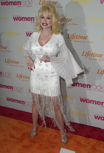 """""""Women in Rock 4th Annual concert for the fight against breast cancer"""" 09/30/03Dolly Parton - Image 21590_0296"""