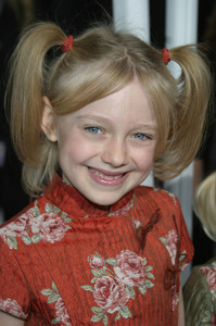 """Dr. Seuss: The Cat in the Hat"" Premiere 11/08/03 Dakota FanningMPTV - Image 21590_0329"