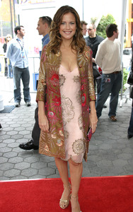 """""""Dr. Seuss: The Cat in the Hat"""" Premiere 11/08/03Kelly Preston MPTV - Image 21590_0357"""