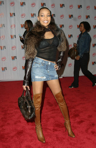 """1st Annual Vibe Awards"" 11/20/03MonicaMPTV - Image 21590_0368"