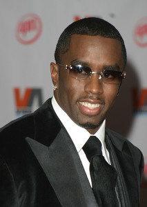 """""""1st Annual Vibe Awards"""" 11/20/03Sean """"P. Diddy"""" CombsMPTV - Image 21590_0375"""
