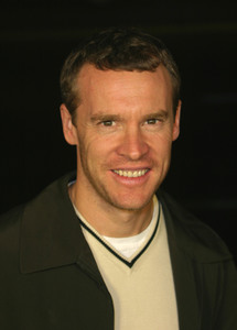 """""""Master and Commander"""" Premiere 11/11/03Tate Donovan MPTV - Image 21590_0407"""