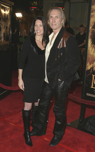 """""""Lord of the Rings: The Return of the King"""" Premiere 12-03-2003David Carradine and girlfriend Anne BiermanMPTV - Image 21590_0425"""
