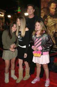 """""""Lord of the Rings: The Return of the King"""" Premiere 12-03-2003David Hasselhoff and daughtersMPTV - Image 21590_0426"""