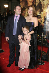 """""""Lord of the Rings: The Return of the King"""" Premiere 12-03-2003Sean Astin with wife Christine and daughter AlexandraMPTV - Image 21590_0439"""