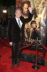 """Lord of the Rings: The Return of the King"" Premiere 12-03-2003Ian McKellenMPTV - Image 21590_0451"
