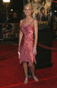 """""""Lord of the Rings: The Return of the King"""" Premiere 12-03-2003Katie LohmannMPTV - Image 21590_0455"""