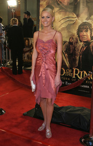 """""""Lord of the Rings: The Return of the King"""" Premiere 12-03-2003Katie LohmannMPTV - Image 21590_0457"""