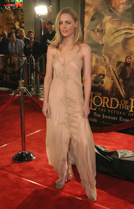 """Lord of the Rings: The Return of the King"" Premiere 12-03-2003Melissa GeorgeMPTV - Image 21590_0462"