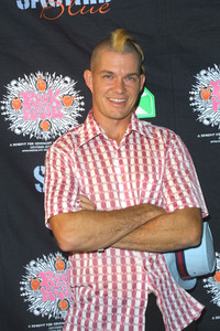 """Rock Da House Fashion Show""10-27-2003Adrian Young of No DoubtMPTV - Image 21590_0466"