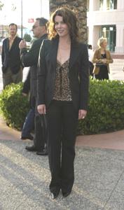 """""""Behind the Scenes of : Gilmore Girls"""" 4-21-2003Lauren GrahamMPTV - Image 21590_0501"""