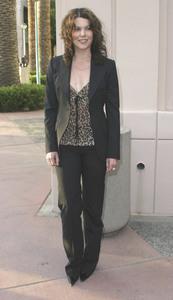 """""""Behind the Scenes of : Gilmore Girls"""" 4-21-2003Lauren GrahamMPTV - Image 21590_0503"""