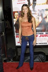 """Runaway Jury"" Premiere 10-09-2003Shannon ElizabethMPTV - Image 21590_0542"