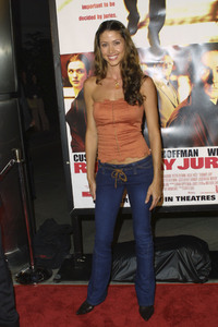 """Runaway Jury"" Premiere 10-09-2003Shannon ElizabethMPTV - Image 21590_0543"