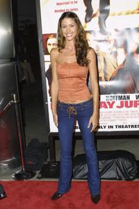"""""""Runaway Jury"""" Premiere 10-09-2003Shannon Elizabeth MPTV - Image 21590_0544"""