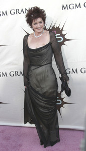 """VH1 Divas Duets"" 05-22-2003Sharon OsbourneMPTV - Image 21590_0548"