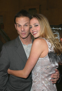 """The Cooler"" Premiere 11/24/03Peter Berg & Estella WarrenMPTV - Image 21590_0646"