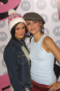 """""""5th Annual Motorola Anniversary Party"""" 12/4/03Rachel Blison & Samaire Armstrong MPTV - Image 21590_0654"""