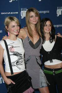 """Elle Girl Holidays Issue Party"" 12/6/03Samaire Armstrong,Mischa Barton & Rachel Blison MPTV - Image 21590_0671"