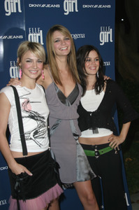 """Elle Girl Holidays Issue Party"" 12/6/03Samaire Armstrong,Mischa Barton & Rachel Blison MPTV - Image 21590_0672"