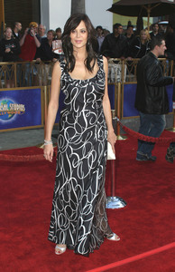 """Bruce Almighty"" Premiere 05/14/03Catherine BellMPTV - Image 21590_0708"