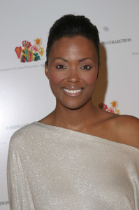 Elizabeth Glaser Pediatric AIDS Foundation Fundraiser at Neiman Marcus  12/10/03Aisha TylerMPTV - Image 21590_0723