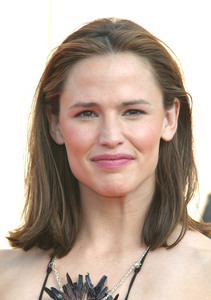 """55th Emmy Creative Art  Awards"" 09/13/03Jennifer GarnerMPTV - Image 21590_0766"