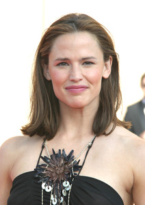 """55th Emmy Creative Art  Awards"" 09/13/03Jennifer GarnerMPTV - Image 21590_0767"