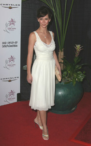 """Lili Claire Foundations 6th Annual Benefit"" 10/18/03Jennifer Love HewittMPTV - Image 21590_0768"