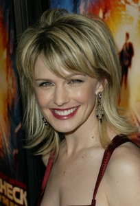 """Paycheck"" Premiere 12/18/03Kathryn MorrisMPTV - Image 21590_0841"