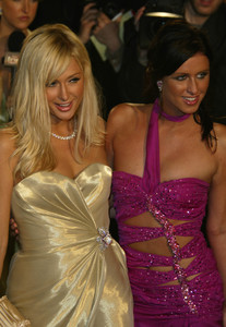 """Vanity Fair Post Oscar Party""Paris Hilton, Nicky HiltonMorton"