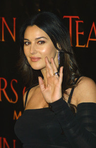 """Tears of the Sun"" (Premiere)Monica Bellucci03-03-2003 / Mann Village Theatre / Westwood, CA - Image 21590_1031"