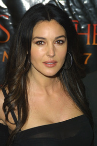 """Tears of the Sun"" (Premiere)Monica Bellucci03-03-2003 / Mann Village Theatre / Westwood, CA - Image 21590_1033"