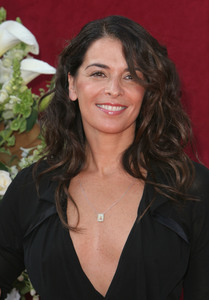 """The 57th Annual Primetime Emmy Awards""Annabella Sciorra09-18-2005 / Shrine Auditorium / Los Angeles, CA - Image 21590_1082"