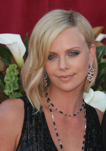 """The 57th Annual Primetime Emmy Awards""Charlize Theron09-18-2005 / Shrine Auditorium / Los Angeles, CA - Image 21590_1093"