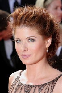 """The 57th Annual Primetime Emmy Awards""Debra Messing09-18-2005 / Shrine Auditorium / Los Angeles, CA - Image 21590_1103"