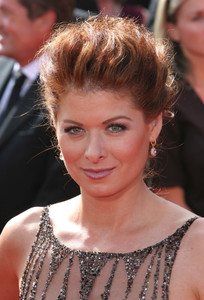 """The 57th Annual Primetime Emmy Awards""Debra Messing09-18-2005 / Shrine Auditorium / Los Angeles, CA - Image 21590_1104"