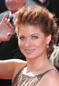 """The 57th Annual Primetime Emmy Awards""Debra Messing09-18-2005 / Shrine Auditorium / Los Angeles, CA - Image 21590_1105"