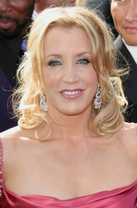"""The 57th Annual Primetime Emmy Awards""Felicity Huffman09-18-2005 / Shrine Auditorium / Los Angeles, CA - Image 21590_1127"