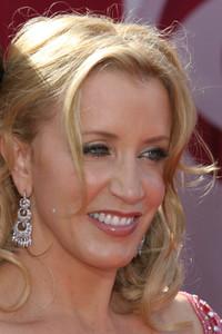 """The 57th Annual Primetime Emmy Awards""Felicity Huffman09-18-2005 / Shrine Auditorium / Los Angeles, CA - Image 21590_1128"
