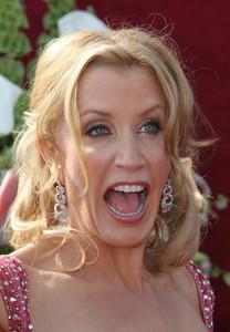 """The 57th Annual Primetime Emmy Awards""Felicity Huffman09-18-2005 / Shrine Auditorium / Los Angeles, CA - Image 21590_1129"