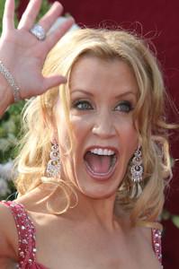 """The 57th Annual Primetime Emmy Awards""Felicity Huffman09-18-2005 / Shrine Auditorium / Los Angeles, CA - Image 21590_1130"