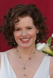 """The 57th Annual Primetime Emmy Awards""Geena Davis09-18-2005 / Shrine Auditorium / Los Angeles, CA - Image 21590_1137"