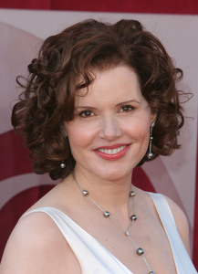"""The 57th Annual Primetime Emmy Awards""Geena Davis09-18-2005 / Shrine Auditorium / Los Angeles, CA - Image 21590_1139"