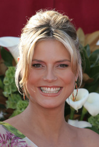 """The 57th Annual Primetime Emmy Awards""Heidi Klum09-18-2005 / Shrine Auditorium / Los Angeles, CA - Image 21590_1147"