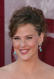 """The 57th Annual Primetime Emmy Awards""Jennifer Garner09-18-2005 / Shrine Auditorium / Los Angeles, CA - Image 21590_1155"