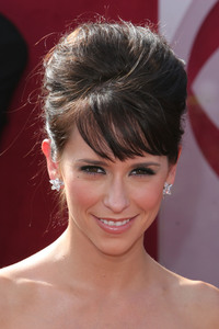 """The 57th Annual Primetime Emmy Awards""Jennifer Love Hewitt09-18-2005 / Shrine Auditorium / Los Angeles, CA - Image 21590_1157"