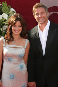 """The 57th Annual Primetime Emmy Awards""Laura Leighton, Doug Savant09-18-2005 / Shrine Auditorium / Los Angeles, CA - Image 21590_1165"